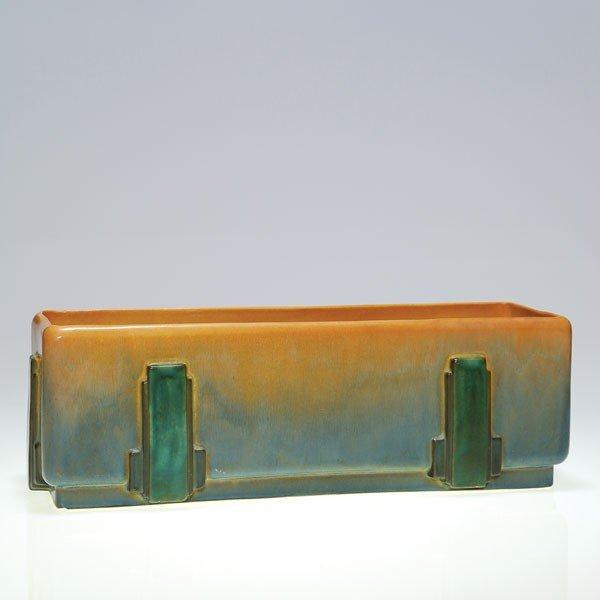 21: Roseville Futura window box, shape 376-15x4x6