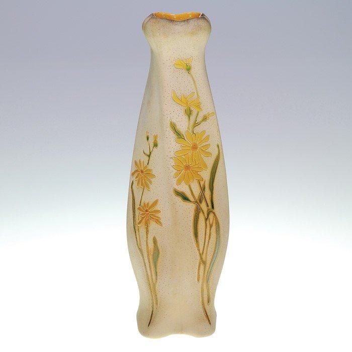 "17: Roseville Fujiyama 10 1/2"" vase"