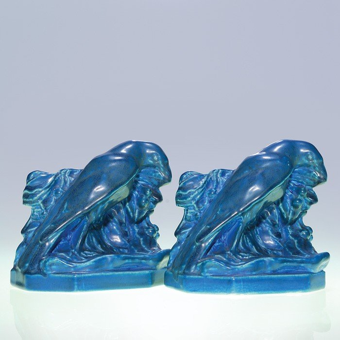 1022: Rookwood pair small Rook bookends, blue mat, 1929