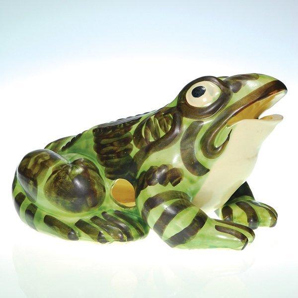 "0146: Large Brush-McCoy frog, 8 1/2"" high, 14"" long"