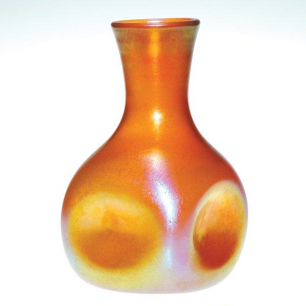 0556: Kew Blas attributed vase, gold, impressed sides