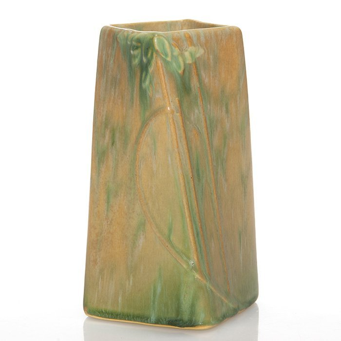 "Roseville Futura ""Twist"" vase, shape 398-6 1/2"""