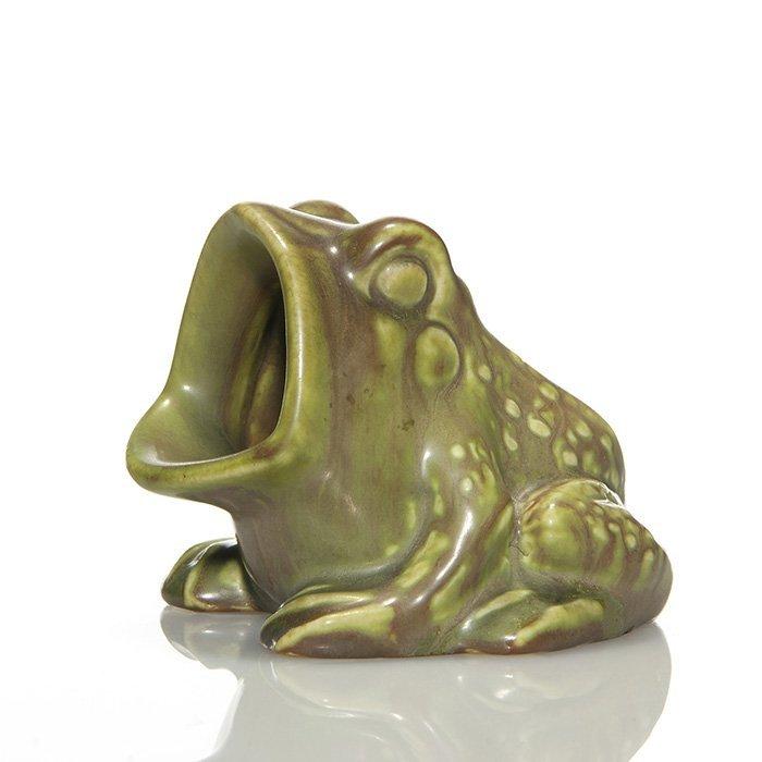 "Rookwood green frog ashtray, 1931, 6097, 2 7/8"""
