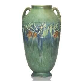 """Roseville Baneda vase, 15 1/4"""", green, shape 600"""