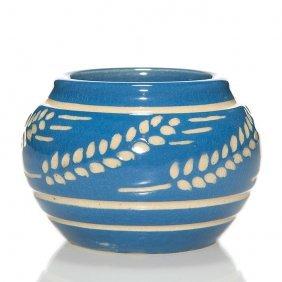 "Und Carved Wheat Vase, Glossy Finish, 2 1/8"""