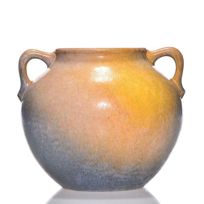 "Roseville Earlam vase, shape 521-7"", tan blue"
