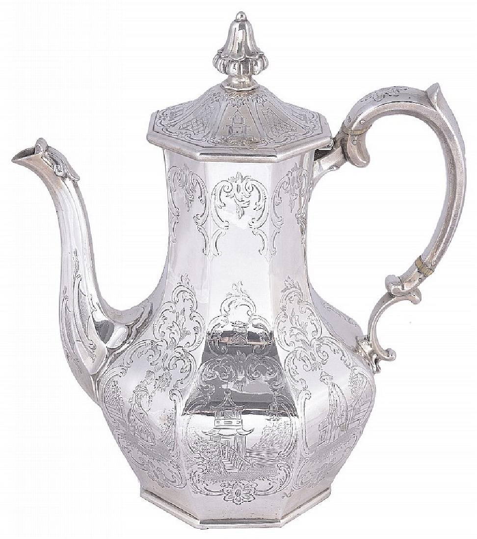 ˜A VICTORIAN SILVER COFFEE POT, CHARLES REILY & GEORGE