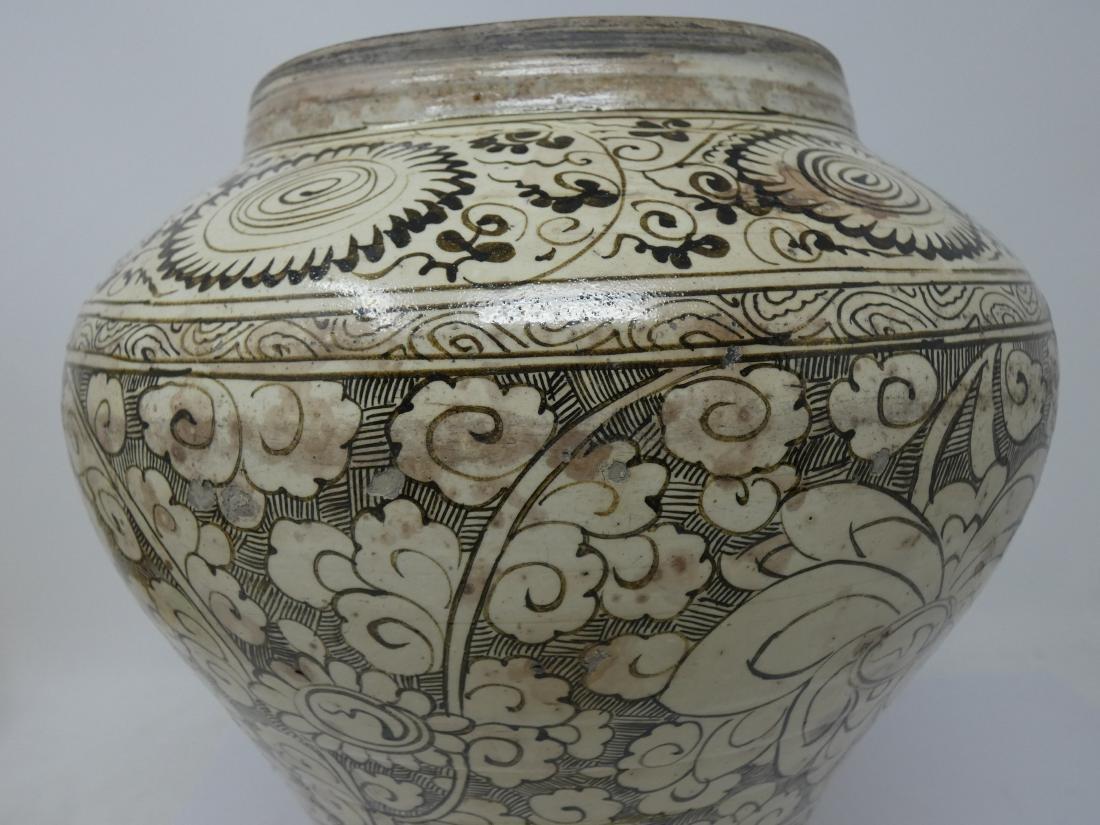 A CHINESE CIZHOU JAR  YUAN DYNASTY (1271-1368) baluster - 10