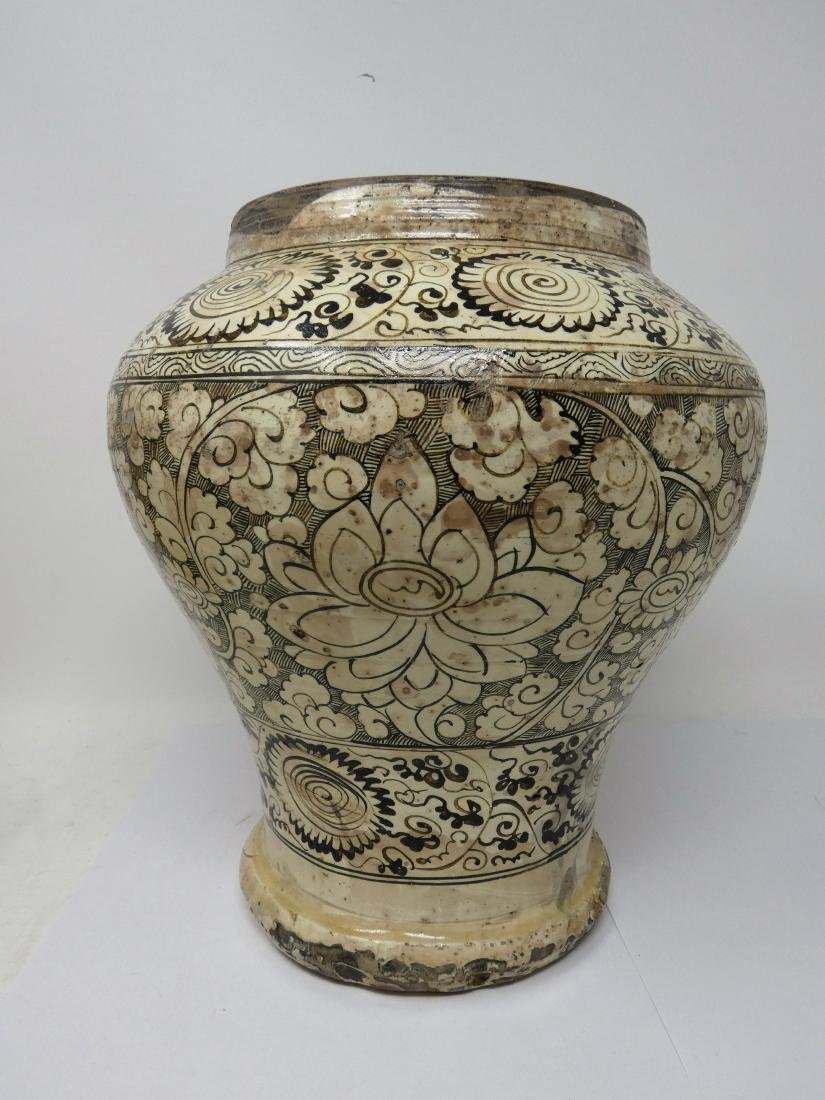 A CHINESE CIZHOU JAR  YUAN DYNASTY (1271-1368) baluster