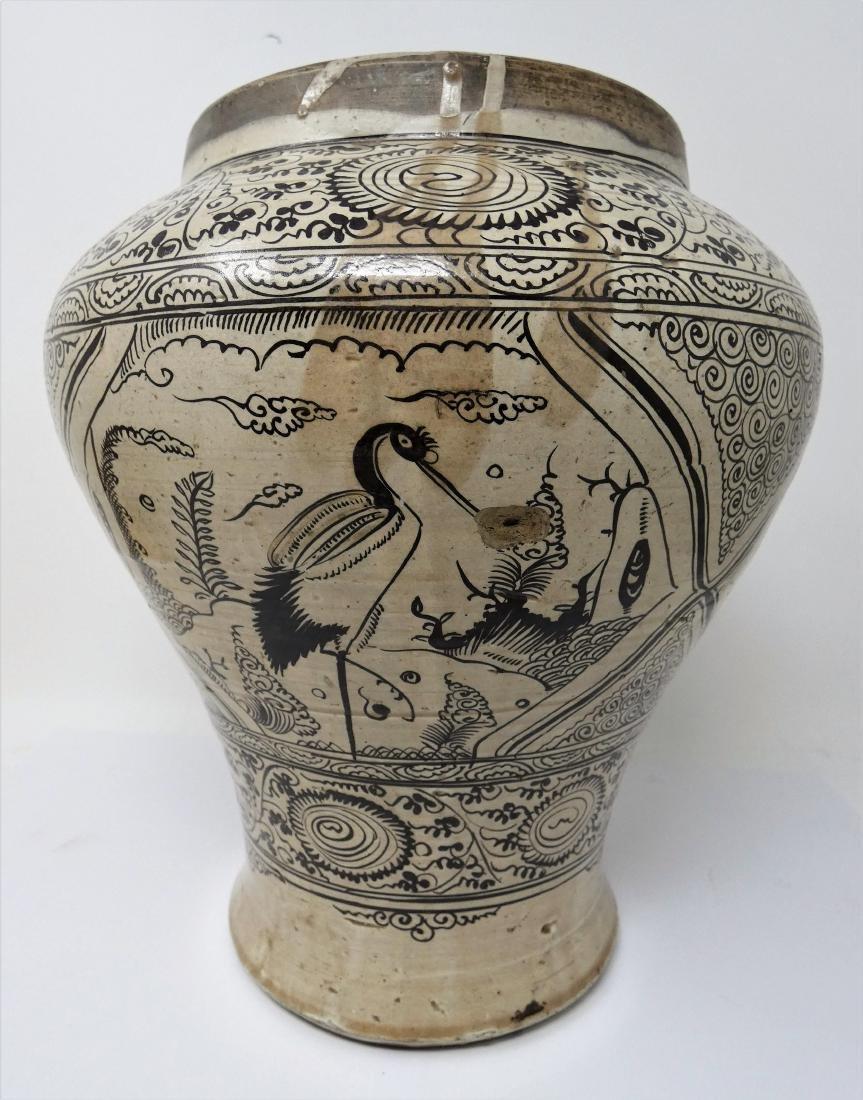 A CHINESE CIZHOU JAR  YUAN DYNASTY (1271-1368) baluster - 3