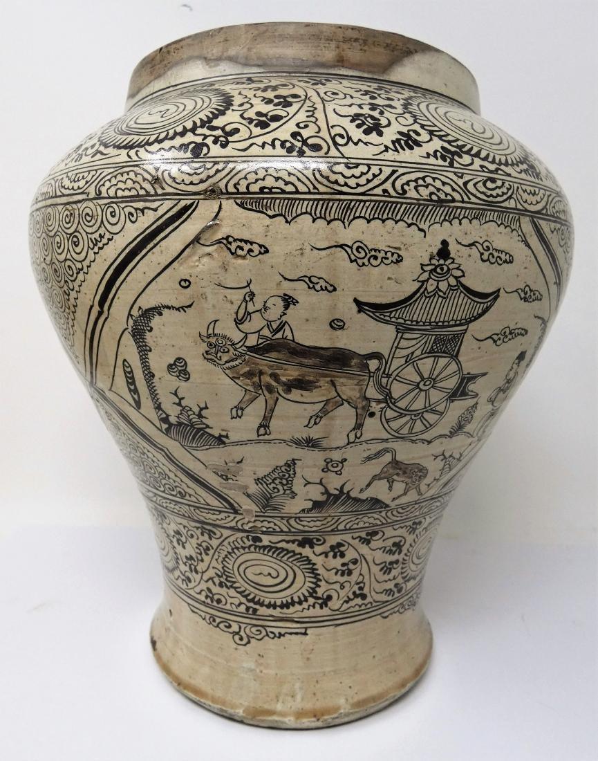 A CHINESE CIZHOU JAR  YUAN DYNASTY (1271-1368) baluster - 4