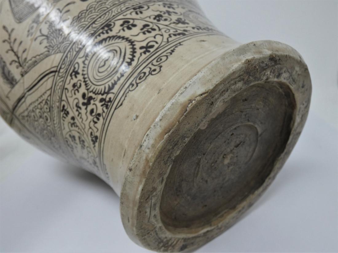 A CHINESE CIZHOU JAR  YUAN DYNASTY (1271-1368) baluster - 7