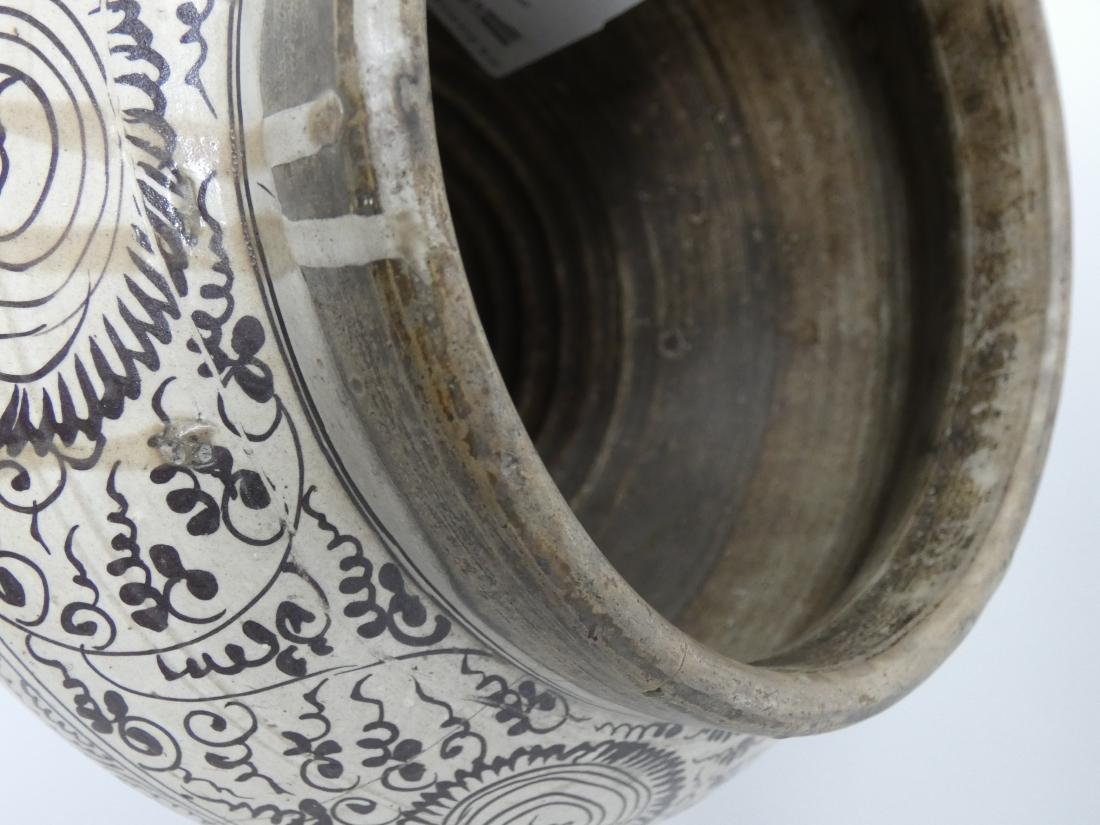 A CHINESE CIZHOU JAR  YUAN DYNASTY (1271-1368) baluster - 8