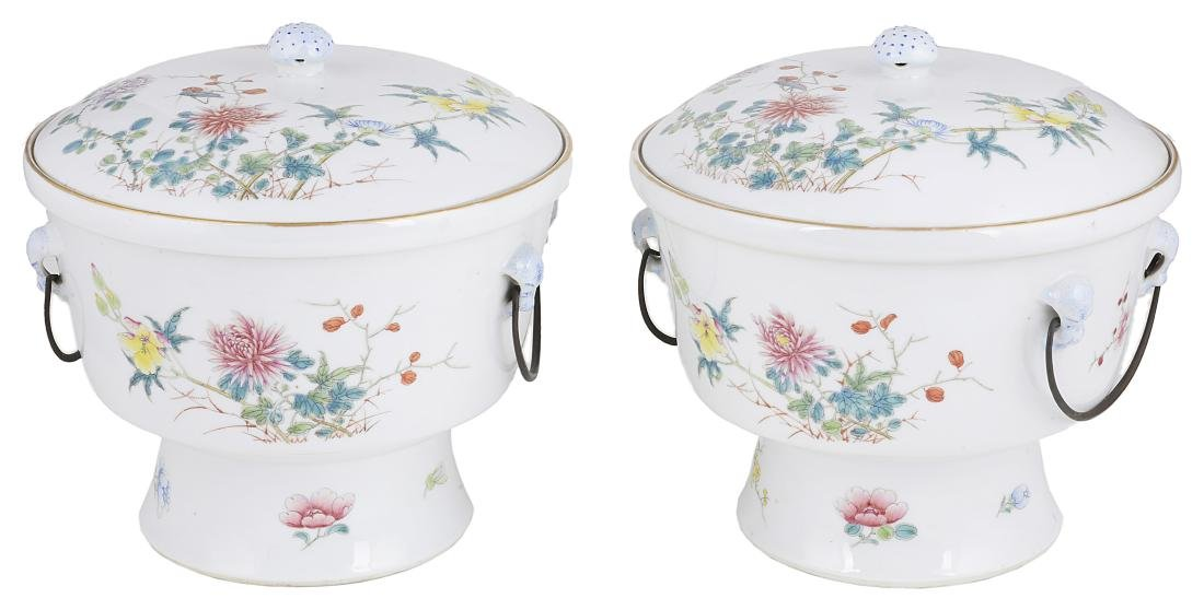 A PAIR OF CHINESE FAMILLE ROSE BOWLS  COVERS AND LINERS