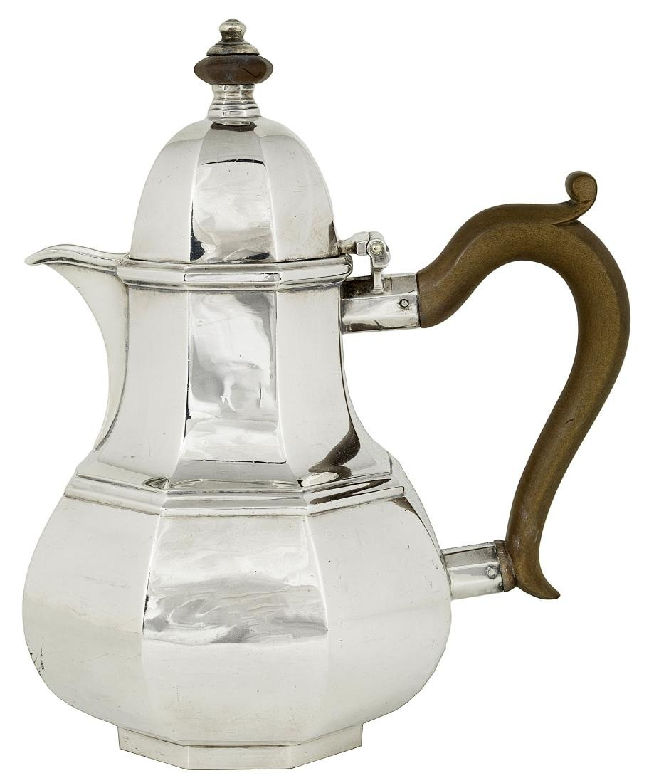 AN EDWARDIAN SILVER COFFEE POT  CRICHTON BROTHERS