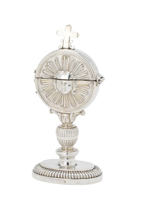 19: A LOUIS XV FRENCH PROVINCIAL SILVER SMALL CIBORIUM,