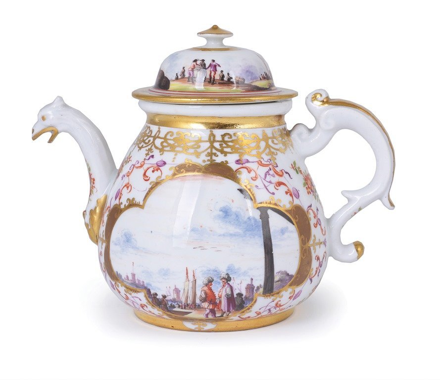 **A MEISSEN PORCELAIN TEAPOT AND COVER, CIRCA 1730 of