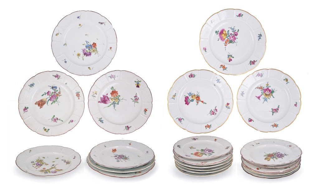 A SET OF ELEVEN LUDWIGSBURG PLATES, CIRCA 1800 painted