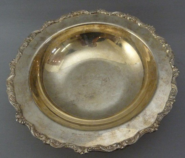 1: Fruit bowl on 4 Rocaille-shaped feet