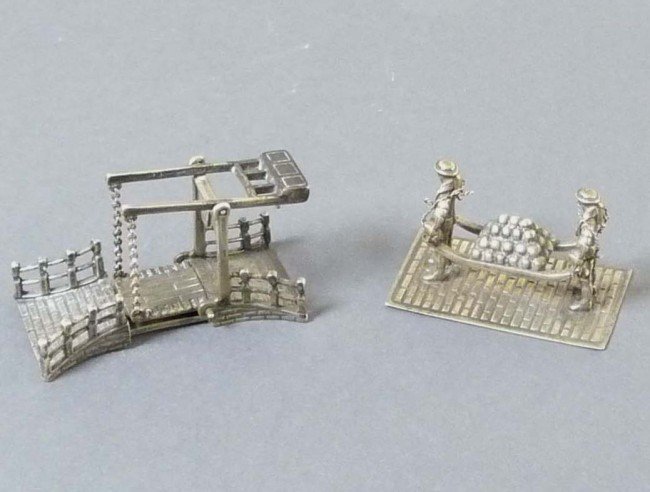 21: 2 superbly detailed silver miniatures