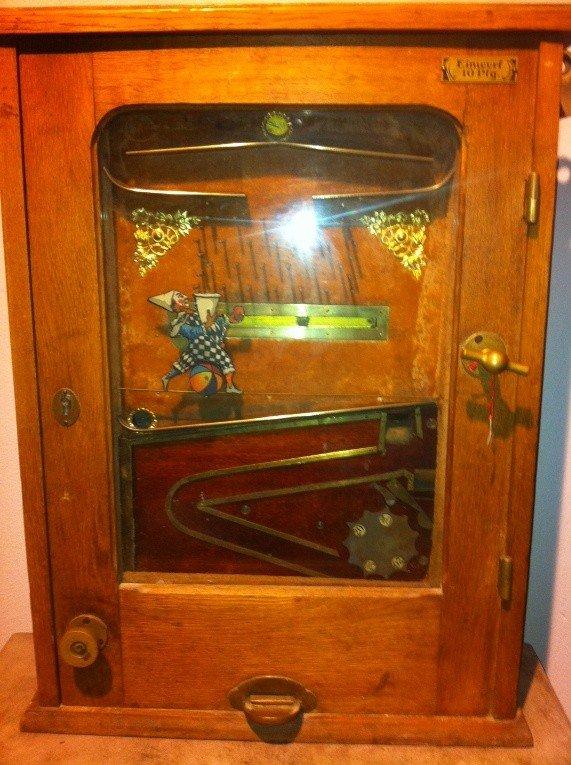 "573: Very Early Gambling Machine ""Bajazzo"" - 9"