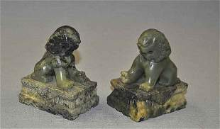 Pair of temple lions (Fuohunde), hand-carved from g