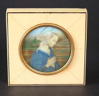 26: Round miniature of praying virgin, gouache on ivory