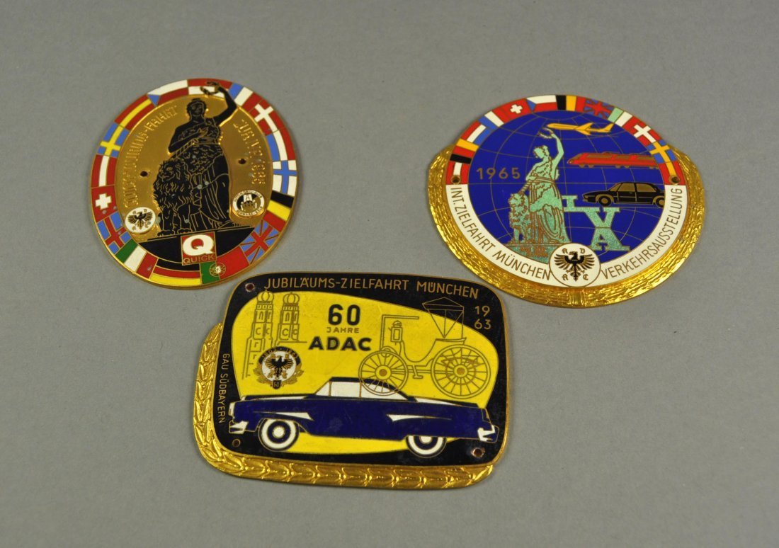"3: Lot of 3 Badges: ""München - Munich"", 1963-1965"