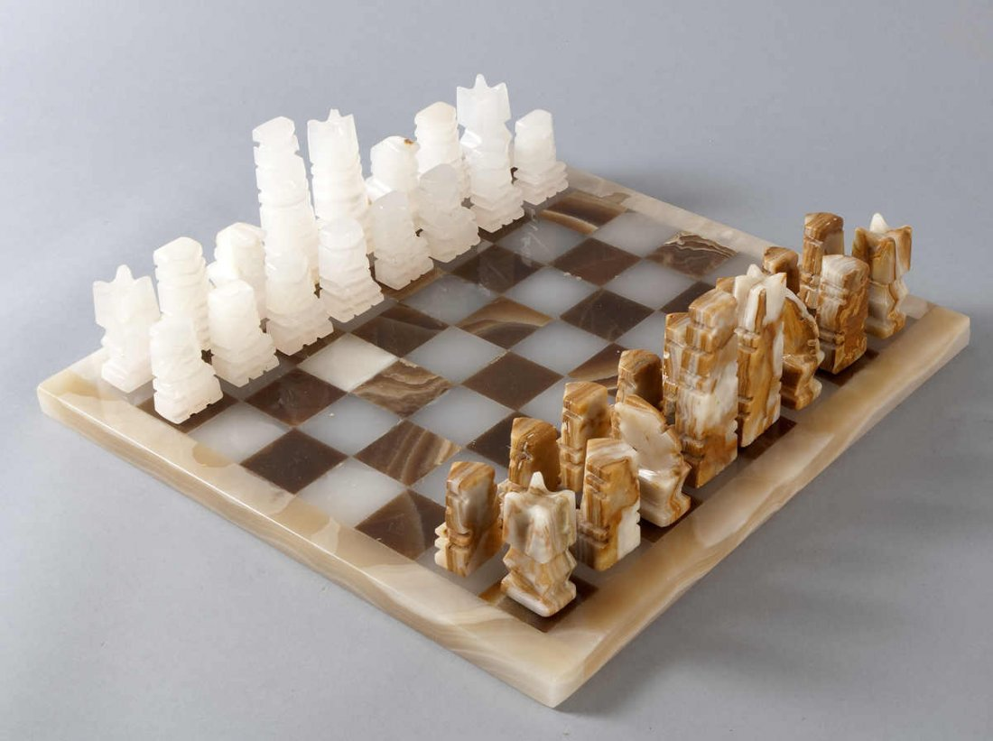 18: Chess completely. Futuristic game with 32 figures o