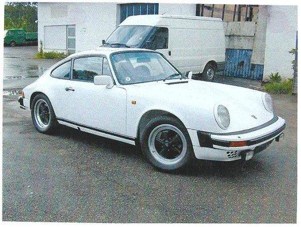 73: Porsche 911 SC Coupé, 1980 Farbe weiß uni, 6 Zylind