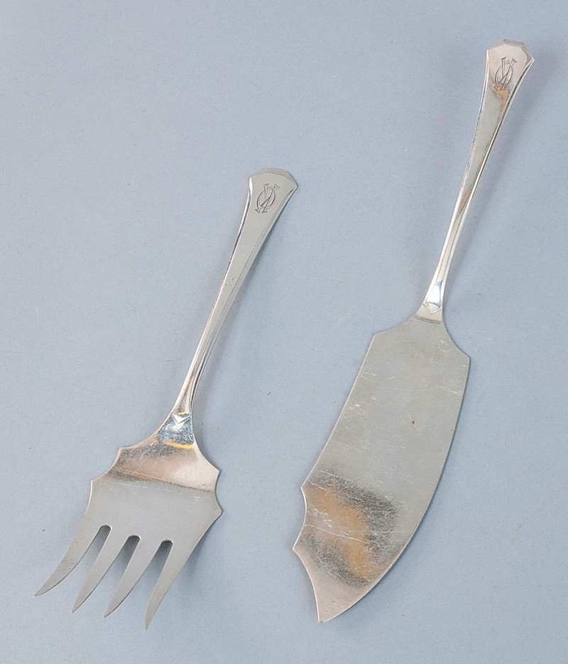 24: Serving dishes for Fish, Art Deco-style, WMF silver