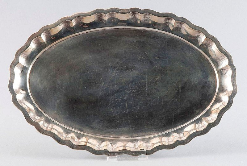 11: Silver tray with corrugated wall, hallmarked , Engl