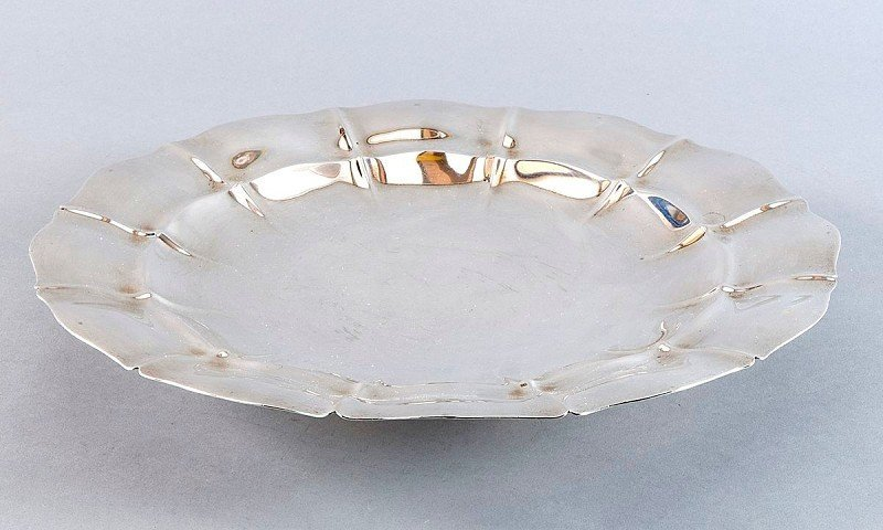 16: Large sterling silver fruit bowl, on a small pedest