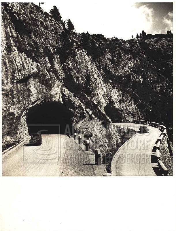 """3: """"2 Fotografien von einem Tunnel im Hochgebirge""""  Ori"""