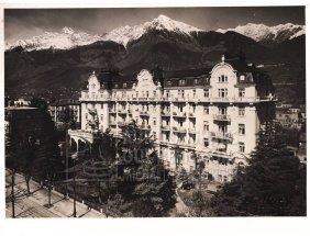 """10: """"Hotels"""", 65 Aufnahmen von Bau des Grand Hotel Bris"""