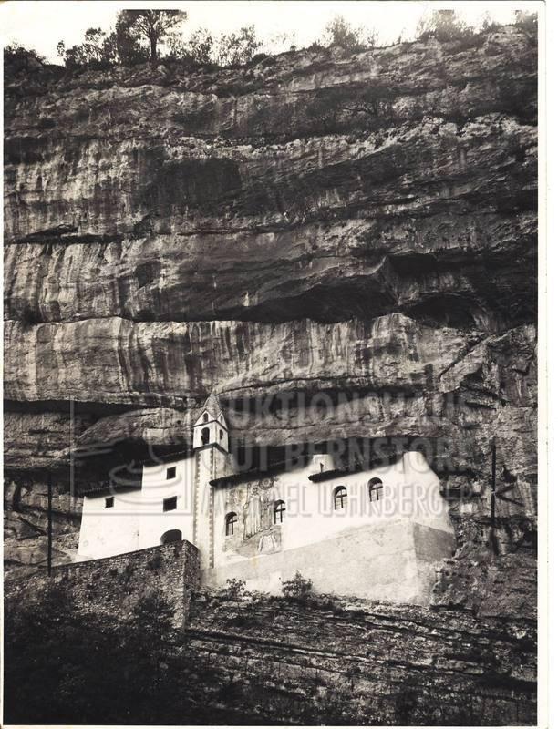 """15: """"Kirchen"""", 246 Aufnahmen, u.a Kirche von Recoaro, d"""