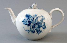 6: Teekanne, Meissen, blaue Blume, kobaltblaue Untergla
