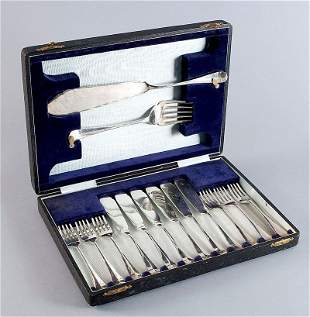 Silver fish cutlery probably sterling silver, completel