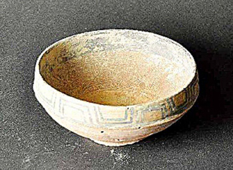 Rare drinking bowl, Indus Valley Culture (2800-1800 BC)