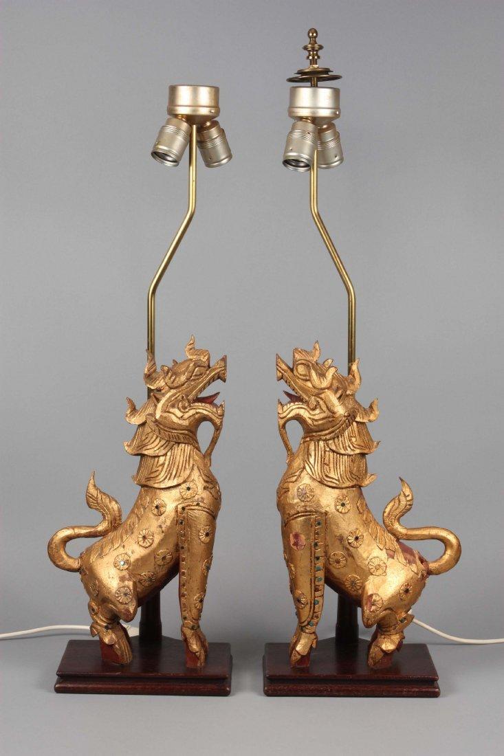 Paar Lampensockel in der Form von thailÄndichen