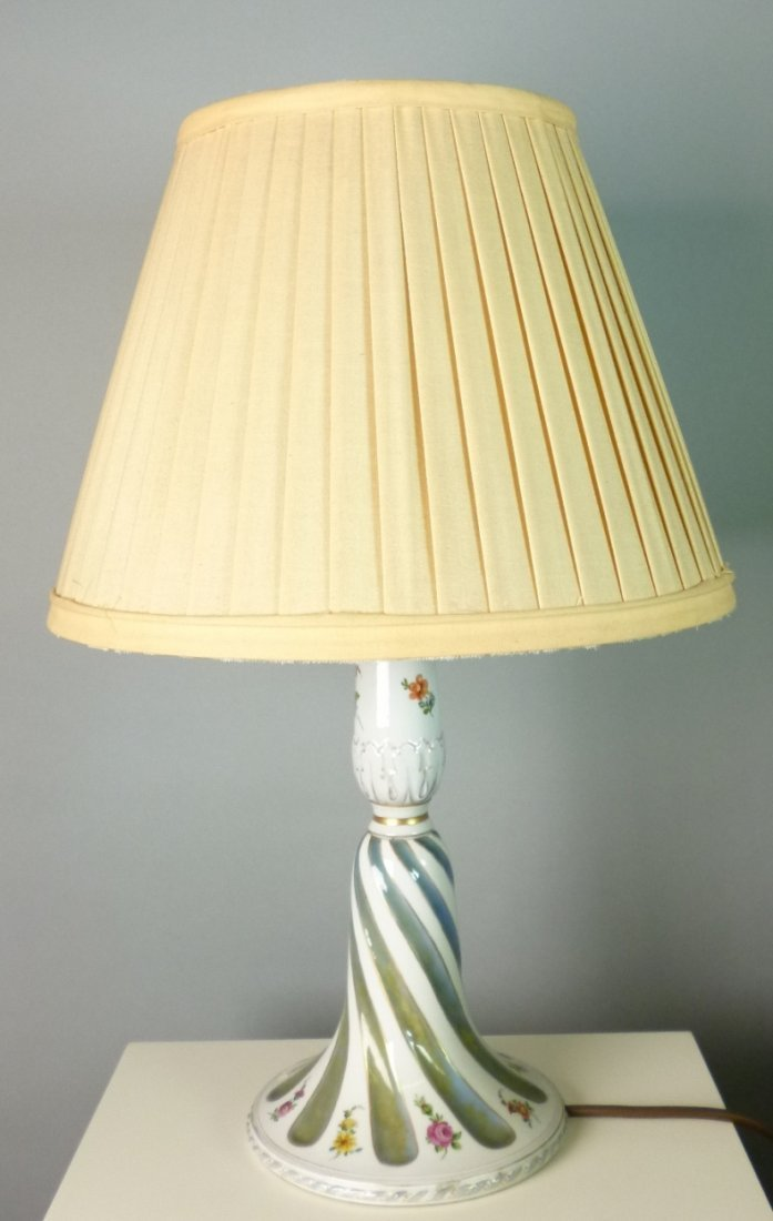 Spirally twisted table lamp with porcelain foot,