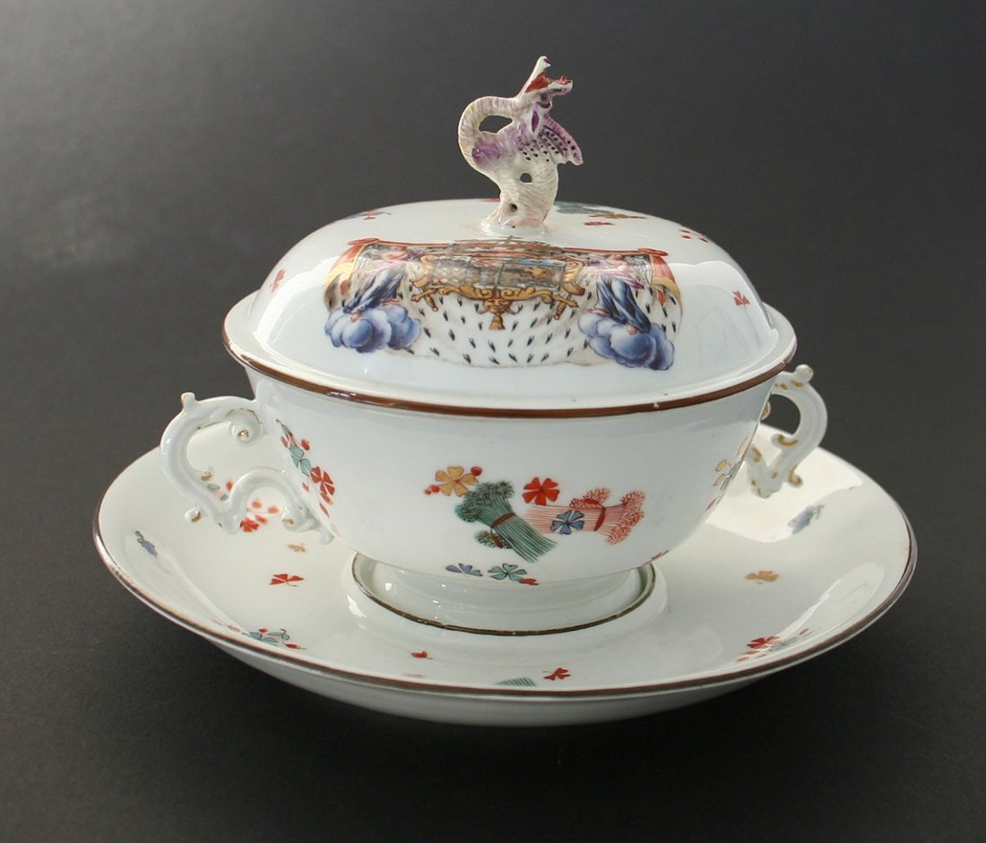 Lidded tureen, small, with lower shell Meißen in