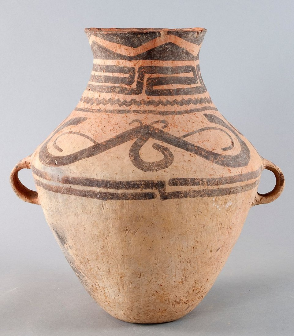 Large Neolithic pottery jug with two Ösenhenkeln.