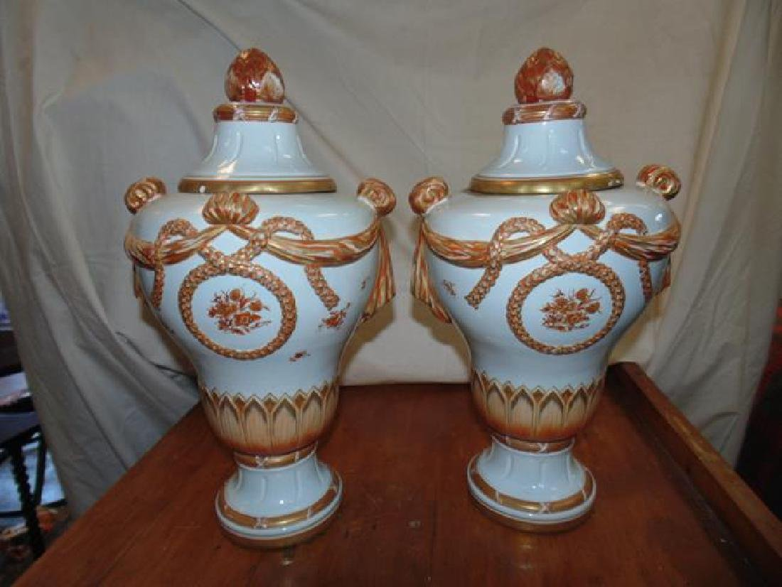 Mottahedeh Italian Urns