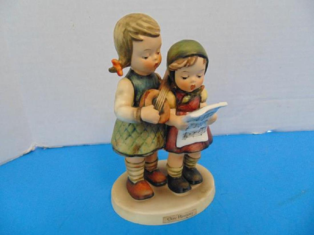 Hummel Figure  Close Harmony