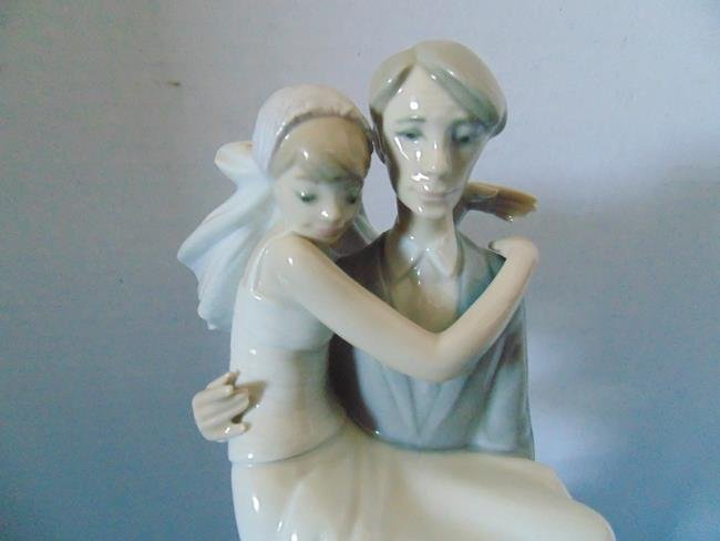 "Lladro  ""The Threshold\"" Wedding Figure - 2"