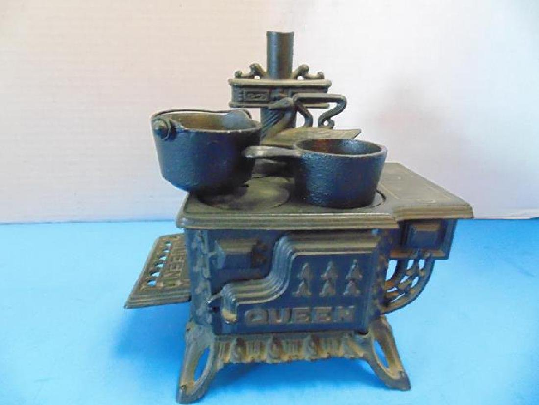Cast Iron Toy Stove The Queen