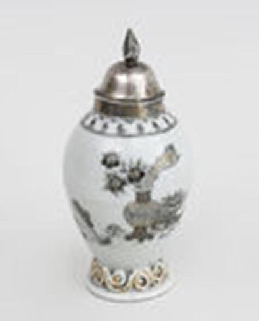 Chinese Export Grisaille Porcelain Tea Caddy