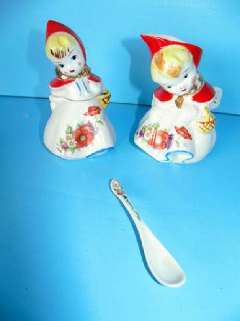 Hull Little Red Riding Hood Kitchen Set - 4