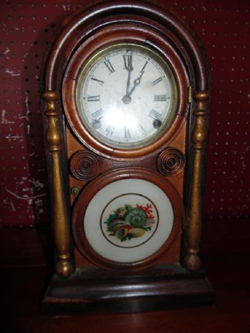 Ingraham Figure 8 Mantle Clock